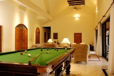Villa 1 - Lounge Pool Table