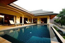 Villa 2 - Poolside Terrace